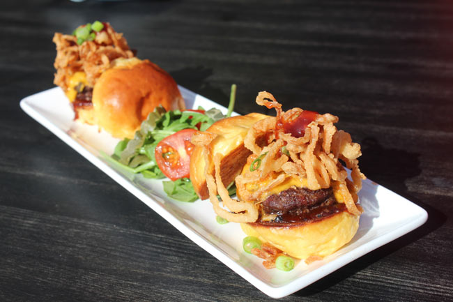 Cheeseburger Sliders with Lettuce, Tomato and Crispy Onions